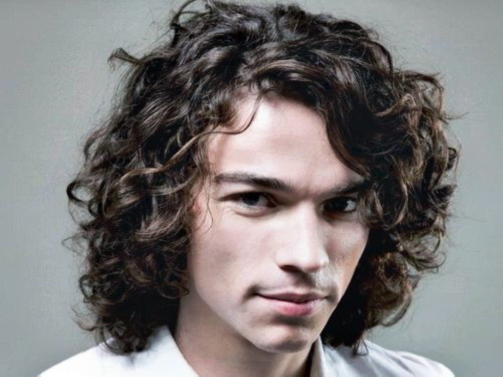 Men's Long Wavy Hairstyles8